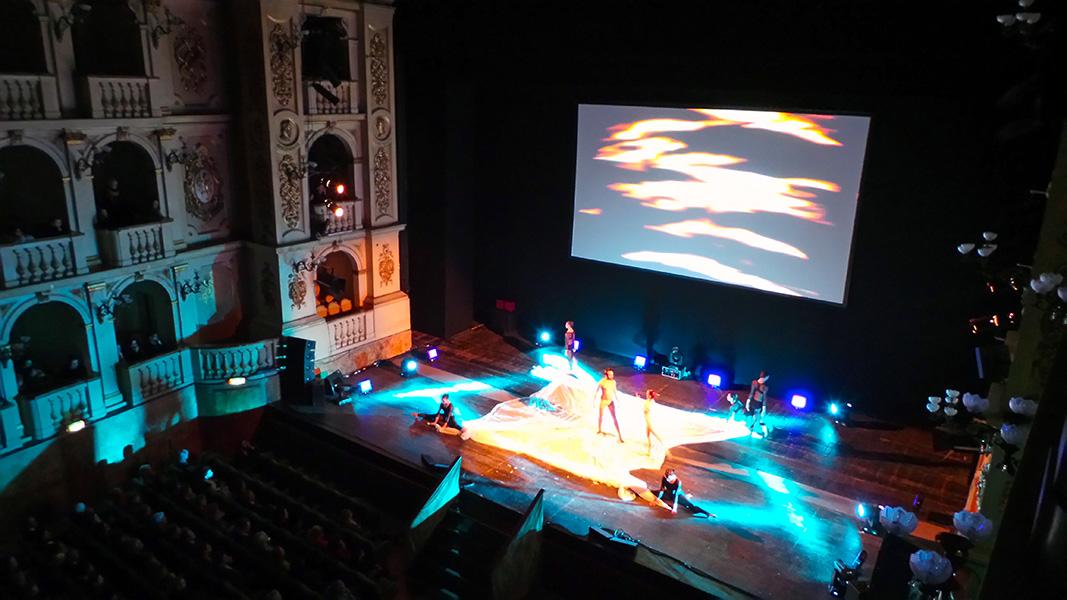 teatro comunale laboratorio delle idee bologna